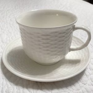 Wedgwood Dining - 15 New Nantucket Basket Teacups and Saucers